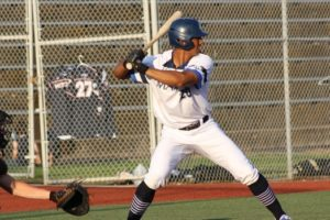 Mustangs Top Pilots 15-13 In Wild Affair for Fourth Straight Win
