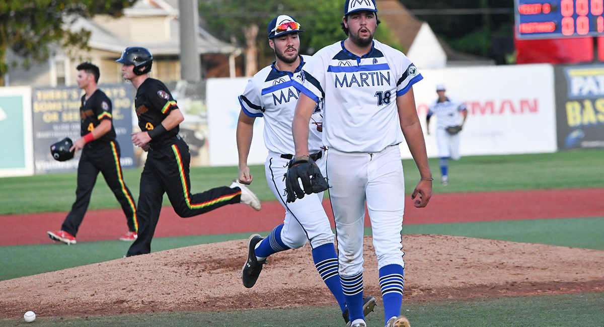 Seventh Inning Rally Helps Mustangs Knock Off Chili Peppers 9-5